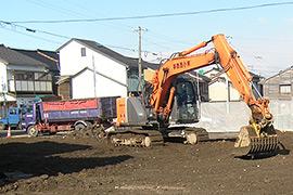 解体で出た廃材の分別・搬出、整地